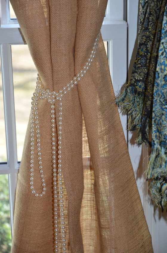Closeup-with-pearls